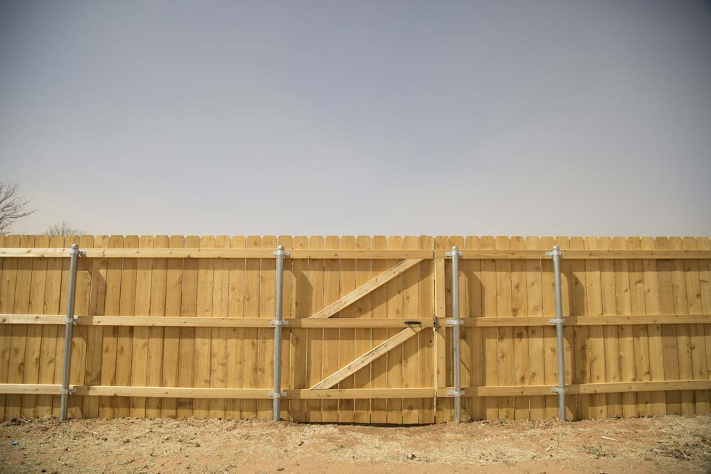"6' tall dogear fence with 6"" wide pickets"